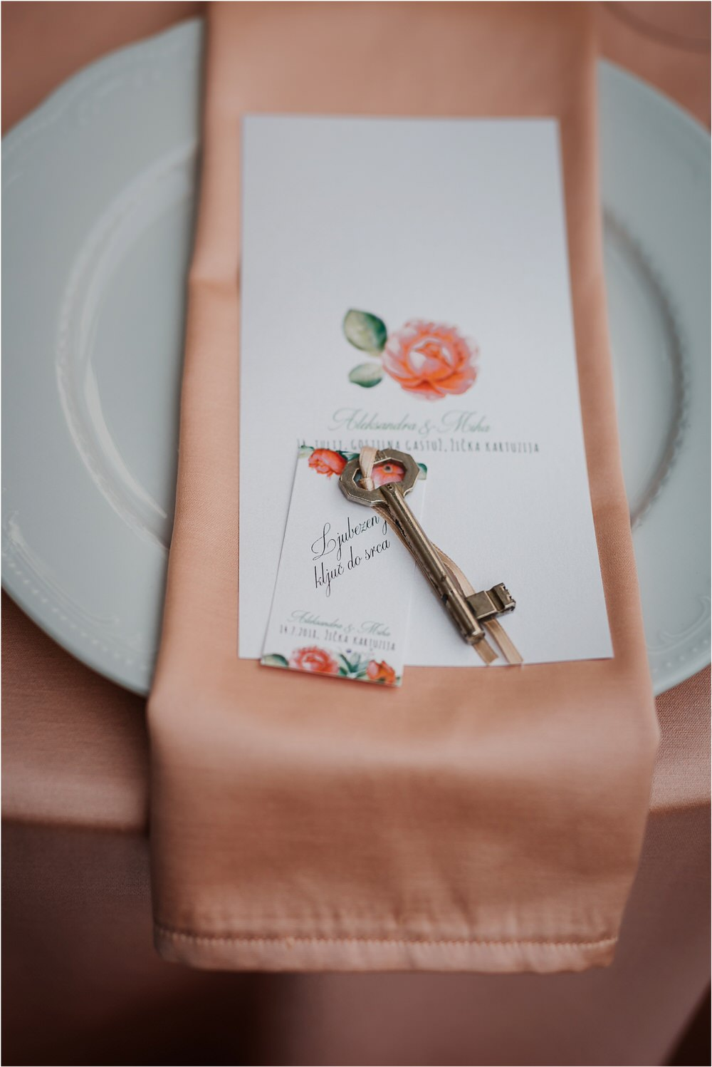 zicka kartuzija poroka porocni fotograf fotografija luka in ben loce elegantna poroka slovenski porocni fotograf  0103.jpg