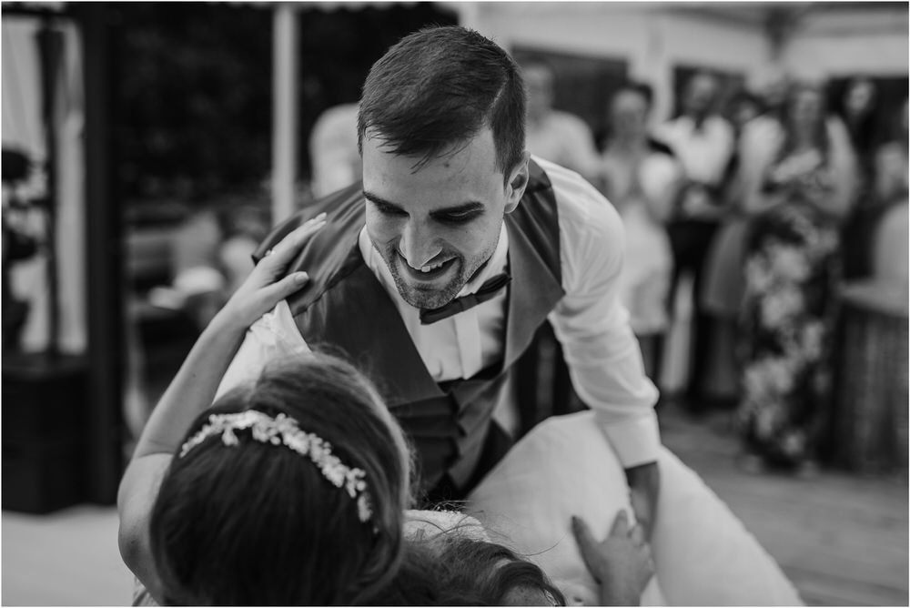 zicka kartuzija poroka porocni fotograf fotografija luka in ben loce elegantna poroka slovenski porocni fotograf  0110.jpg
