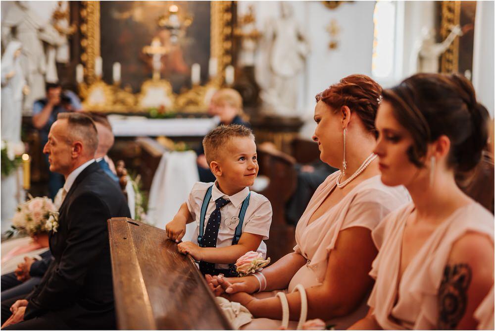skedenj poroka porocni fotograf fotografiranje elegantna poroka rustikalna poroka pod kozolcem pcakes velesovo mdetail nika grega 0031.jpg