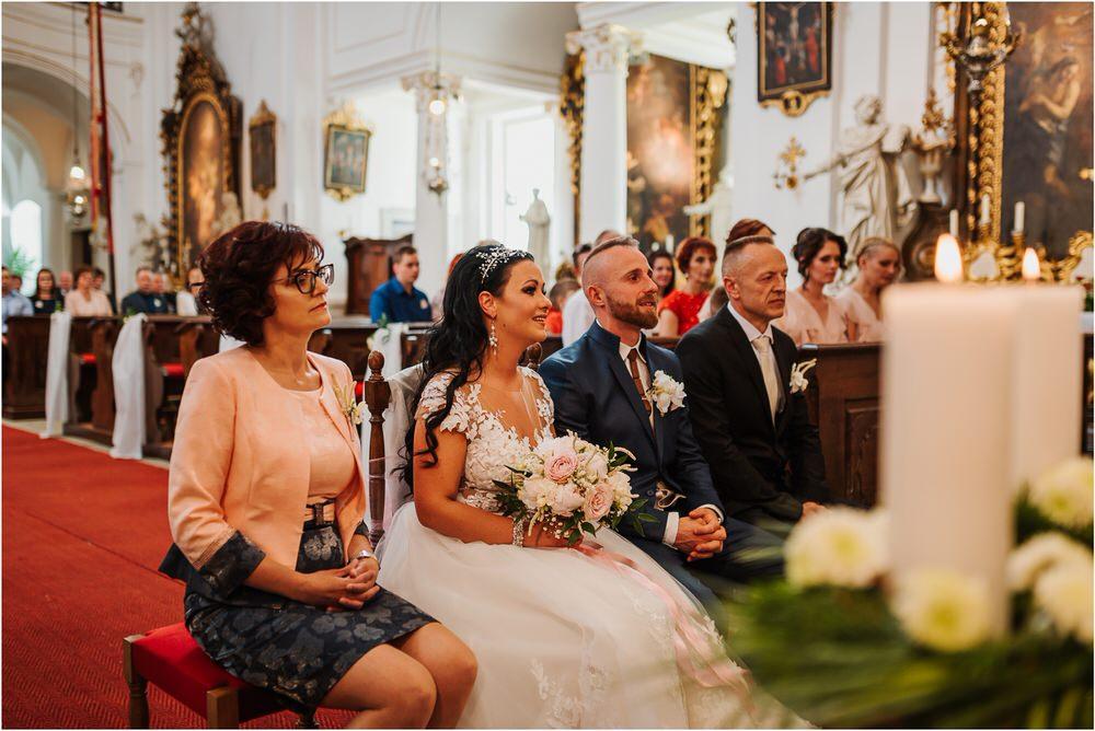 skedenj poroka porocni fotograf fotografiranje elegantna poroka rustikalna poroka pod kozolcem pcakes velesovo mdetail nika grega 0032.jpg
