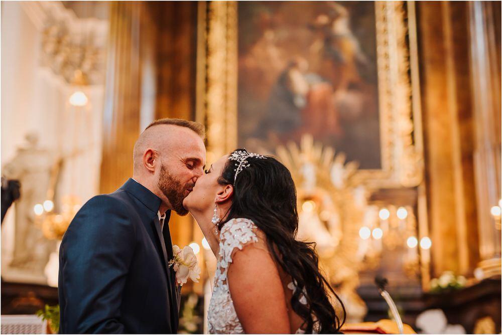 skedenj poroka porocni fotograf fotografiranje elegantna poroka rustikalna poroka pod kozolcem pcakes velesovo mdetail nika grega 0036.jpg