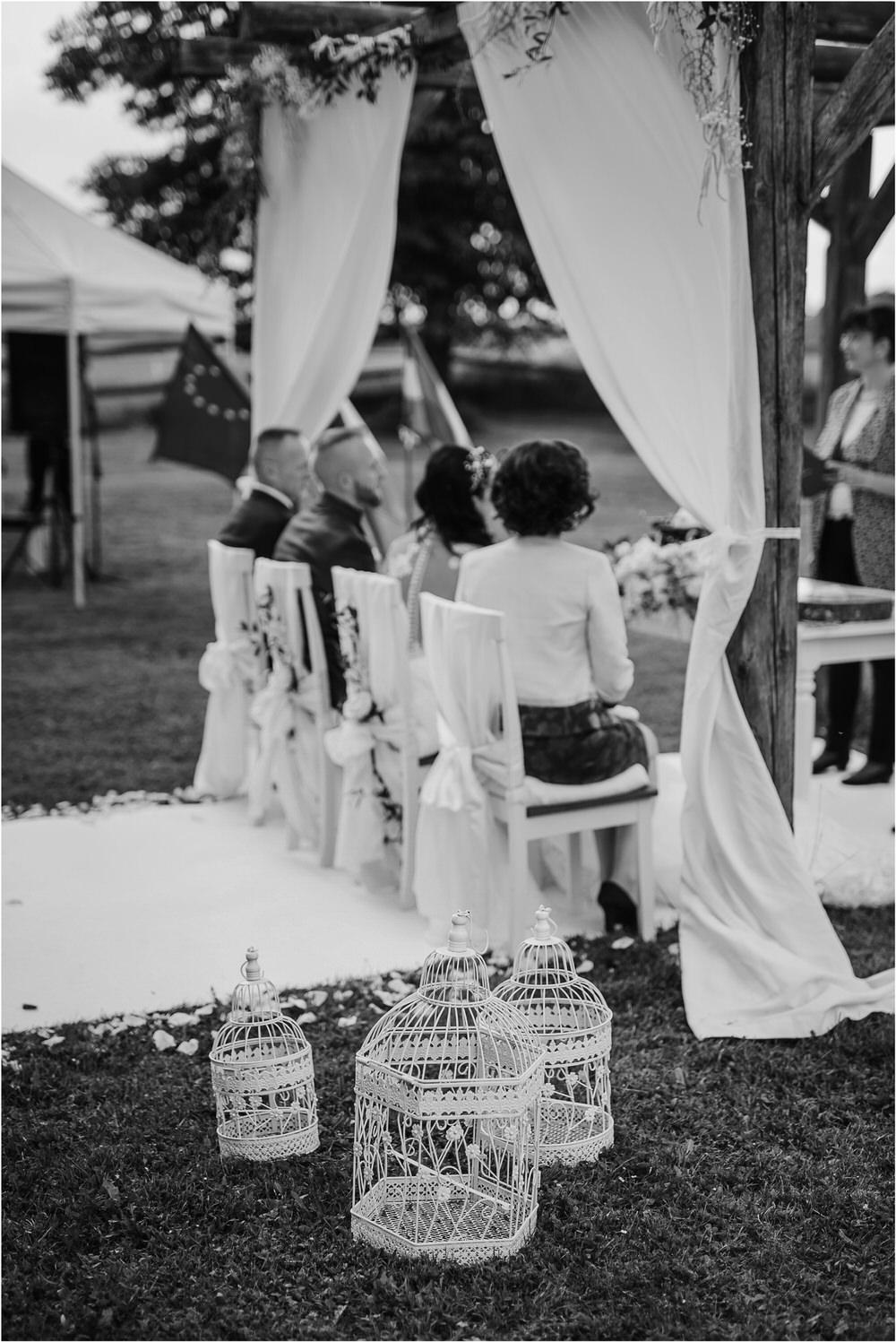 skedenj poroka porocni fotograf fotografiranje elegantna poroka rustikalna poroka pod kozolcem pcakes velesovo mdetail nika grega 0056.jpg