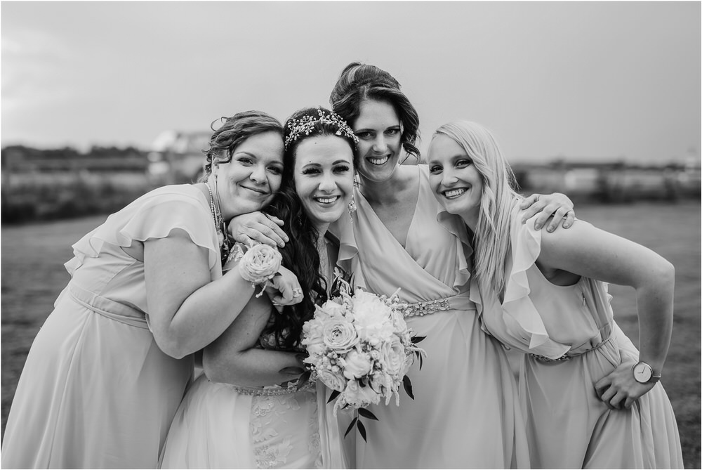skedenj poroka porocni fotograf fotografiranje elegantna poroka rustikalna poroka pod kozolcem pcakes velesovo mdetail nika grega 0067.jpg