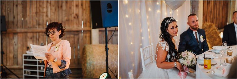 skedenj poroka porocni fotograf fotografiranje elegantna poroka rustikalna poroka pod kozolcem pcakes velesovo mdetail nika grega 0102.jpg