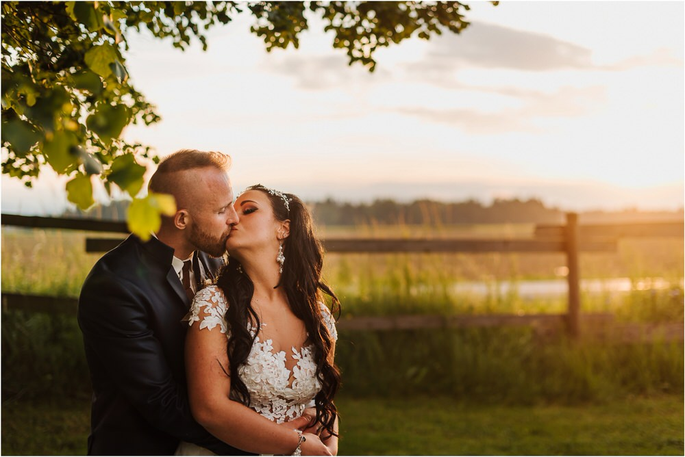 skedenj poroka porocni fotograf fotografiranje elegantna poroka rustikalna poroka pod kozolcem pcakes velesovo mdetail nika grega 0106.jpg