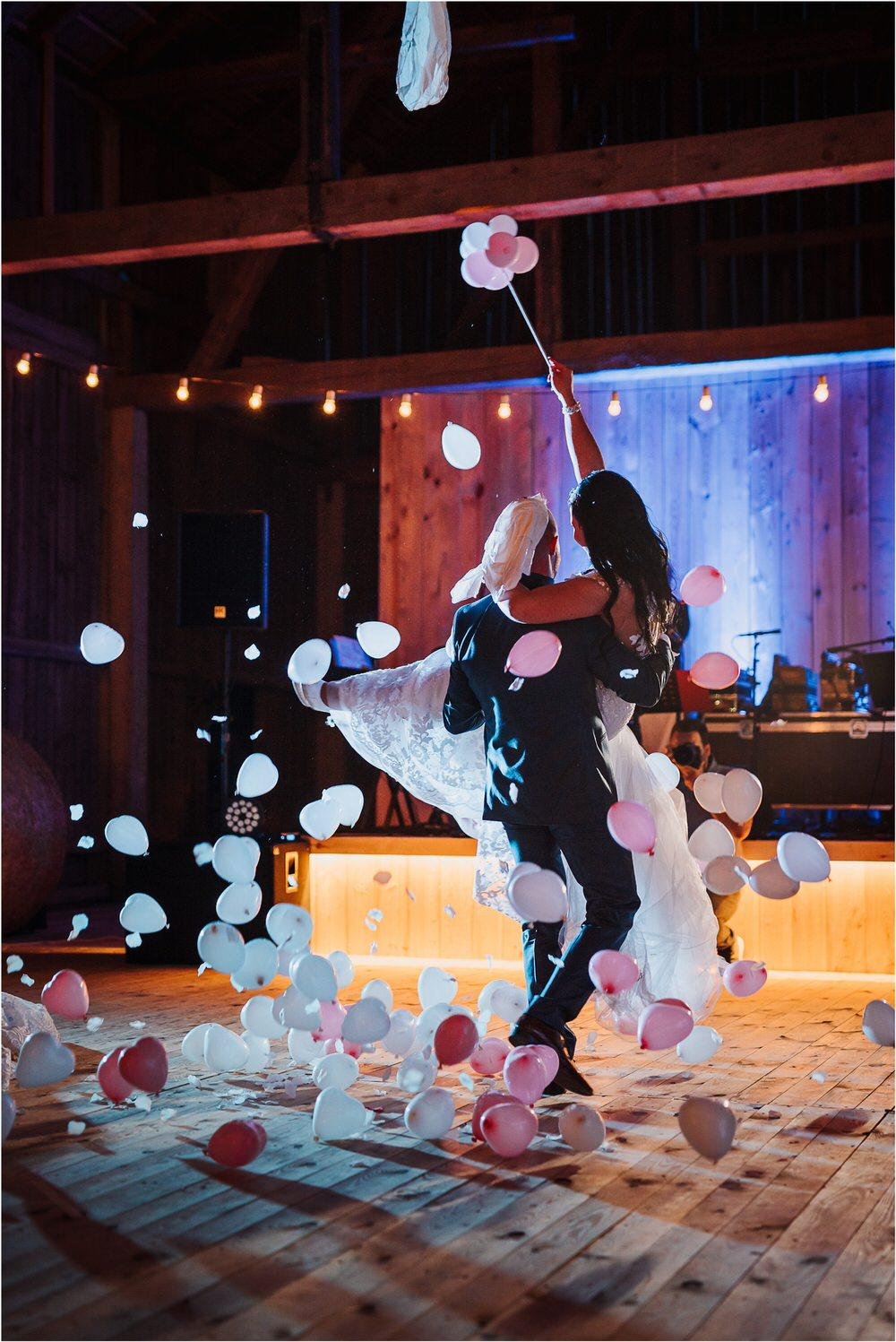 skedenj poroka porocni fotograf fotografiranje elegantna poroka rustikalna poroka pod kozolcem pcakes velesovo mdetail nika grega 0119.jpg