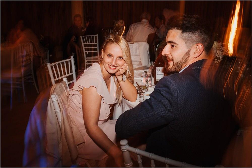 skedenj poroka porocni fotograf fotografiranje elegantna poroka rustikalna poroka pod kozolcem pcakes velesovo mdetail nika grega 0125.jpg
