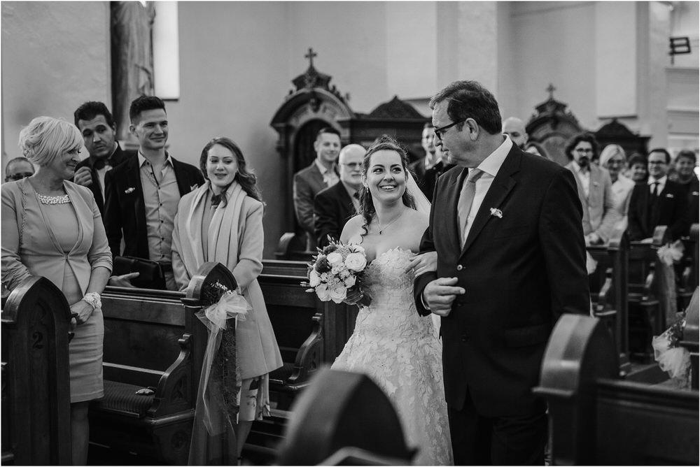 tri lučke poroka poročni fotograf fotografiranje intimna poroka zaroka krško posavje dolenjska novo mesto nika grega rustikalna romantična vintage wedding slovenia photography 0023.jpg