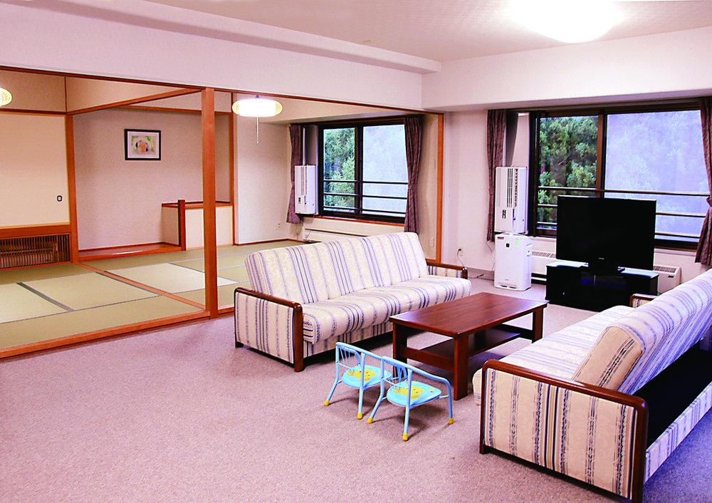 Hotel-Angel-Grandia 天使格蘭帝亞エンゼルグランディア越後中里 客室.jpg