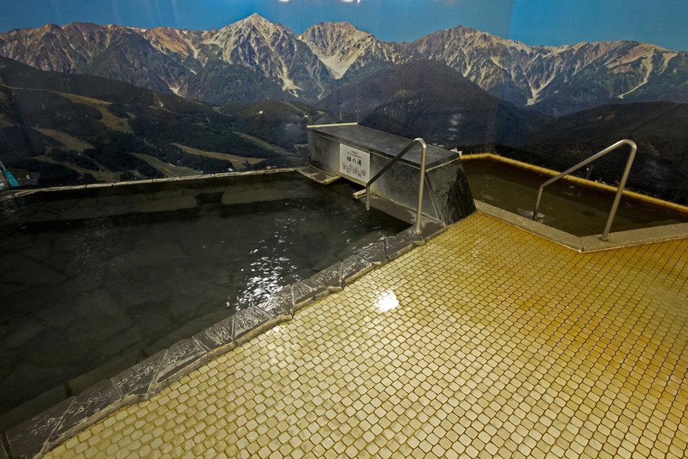 栂池高原酒店 浴場2.jpg
