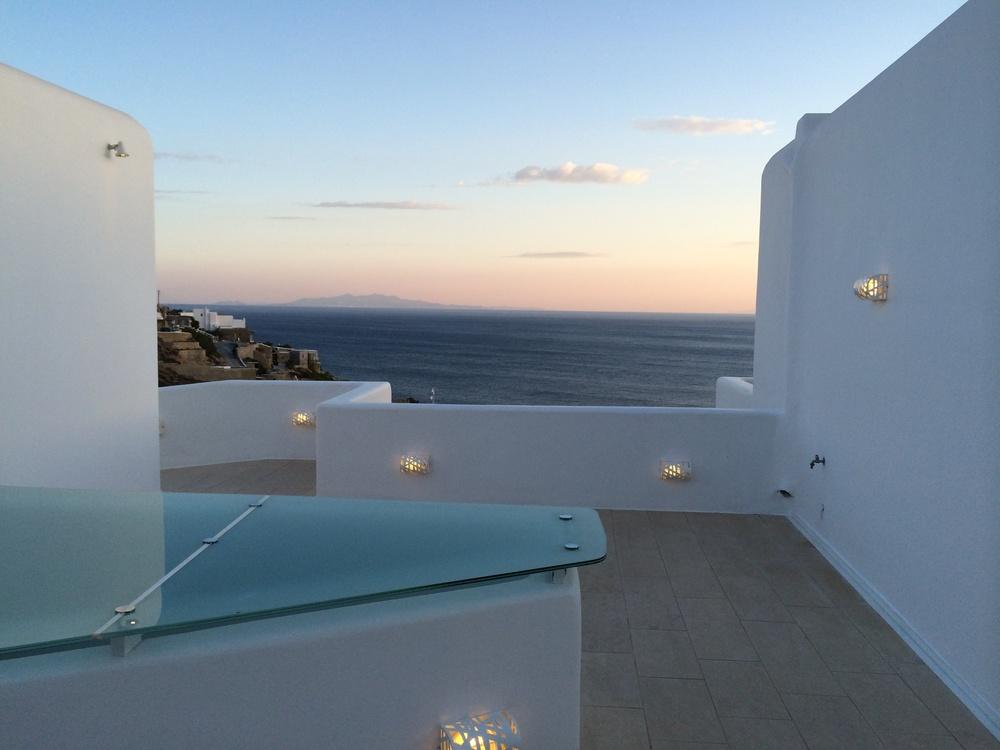 kb Myconia Villa Collection Griechenland Mykonos Hotelbeschreibung Tipps für Mykonos Blog für Frauen über 40 und über 50. BeFifty Blog für Frauen über 40 und 50. Reisetipps Griechenland.