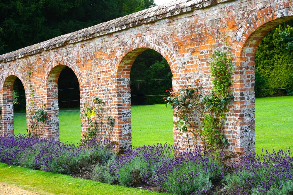 Wunderschöne Gartenanlage in Highclere Castle.