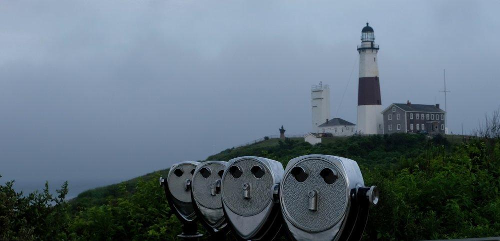 Das Wahrzeichen von Montauk:der Leuchtturm. Hier zeigt sich das Meer oft von seiner ganz rauen Seite.