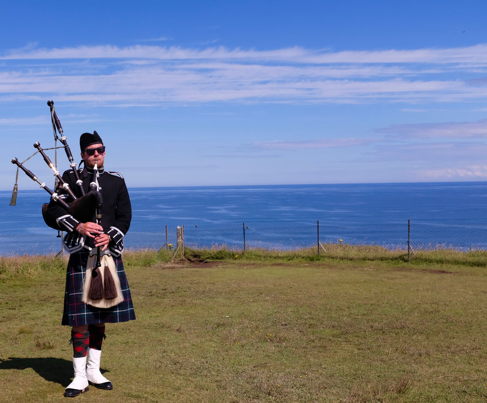 Schottland Dudelsack Spieler Loch Lomond Reiseblog