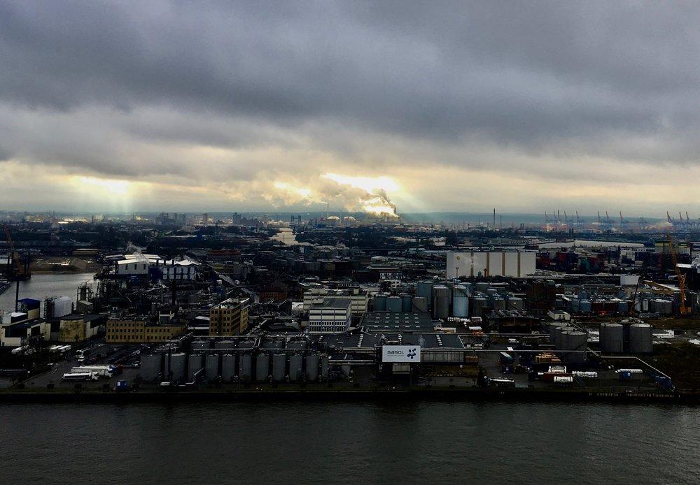 Hafen Hamburg Blick aus dem Westin Hamburg Reiseblog BeFifty