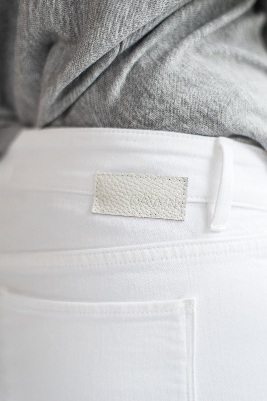 beFifty Blog für Frauen über 50 Fashion DAWN Hose weiß Outfit