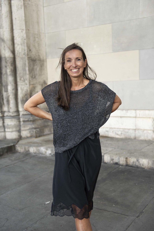 BeFifty Blog für Frauen über 50 Styling Slip on Dress Lingerie Style Mode für Frauen über 50 Moder für Frauen über 40 Ü40 Blog schwarzes Kleid