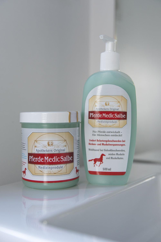 BeFifty Blog für Frauen über 40 und 50 Beate Finken Pferde Medic Salbe  Perfekt für Muskelkater, Gelenkbeschwerden und bei müden Muskeln Wanderung auf den Lofoten