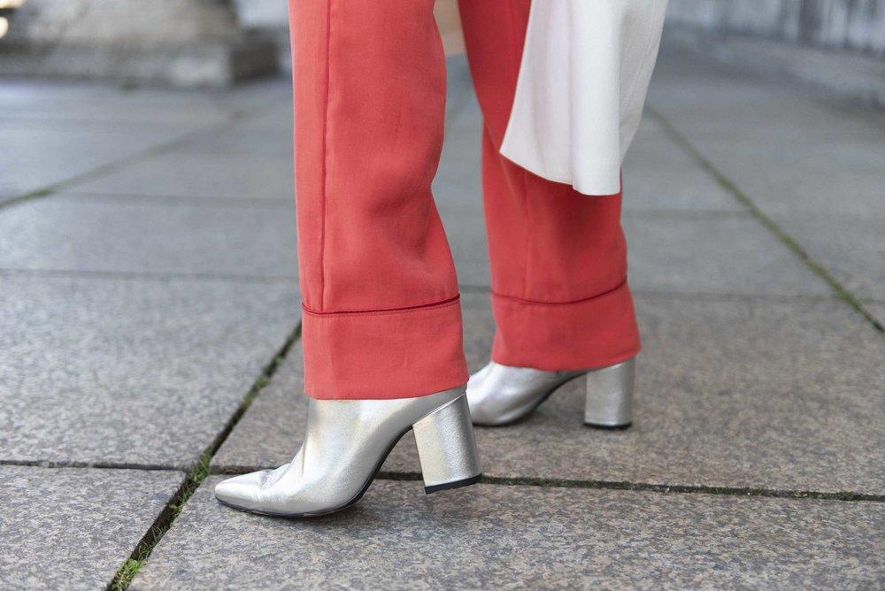 Herbst/Winter 2018 Mantel und Hope Top Rabens Saloner Boots Anine Bing BeFifty Blog für Frauen über 40 und 50 Beate Finken Mode für Frauen über 40 und 50 Ruby Store München