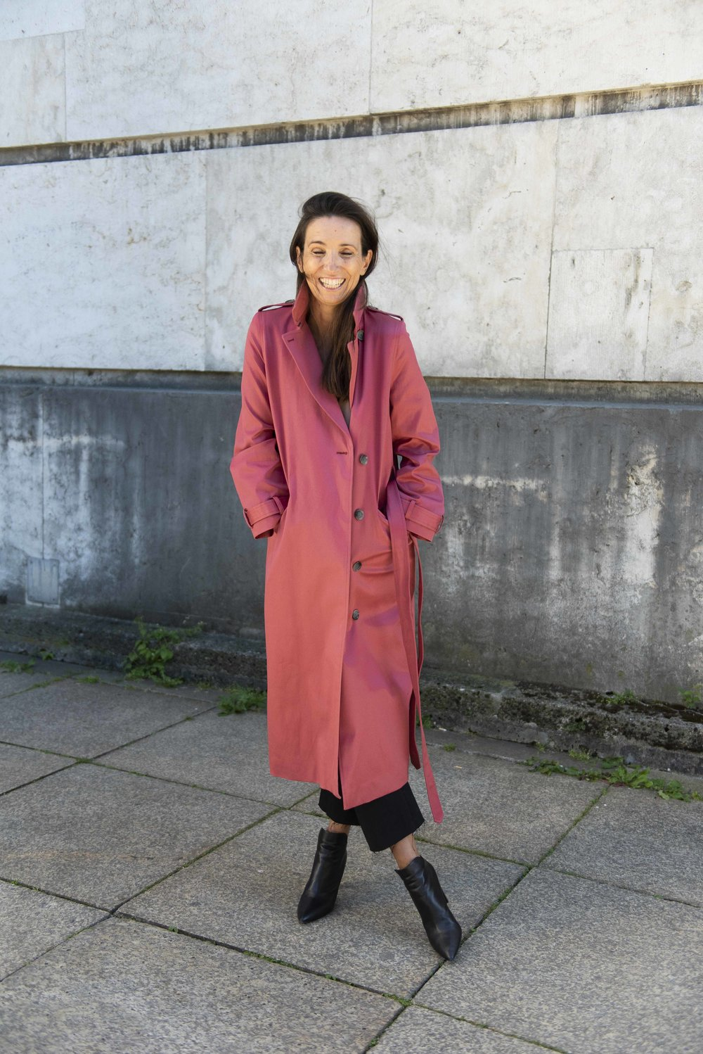 Trench-Coat Herbst/ Winter 2018 Beate Finken Blog für Frauen über 40 und 50 Mode für Frauen über 40 und 50 Anine Bing Won Hundred Mantel roter Trench Coat Schuhe Walter Steiger  Trenchcoat in rot
