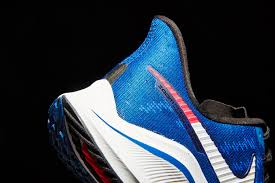 VOMERO 14 - The full-length Zoom Air unit works with Nike React cushioning to deliver a super snappy, smooth ride.