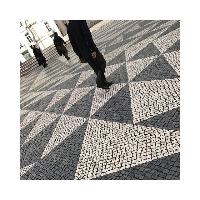 #lisbon walking . . . . . . #pavementstyle #contrast #instadaily #lisbonportugal