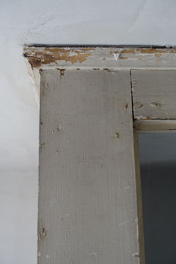 Trim detail at the addition is elegantly simple.