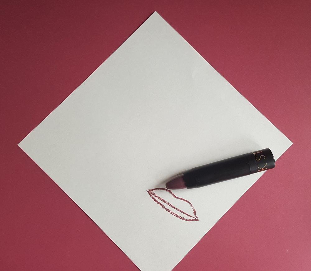 Lip crayon from Starlook