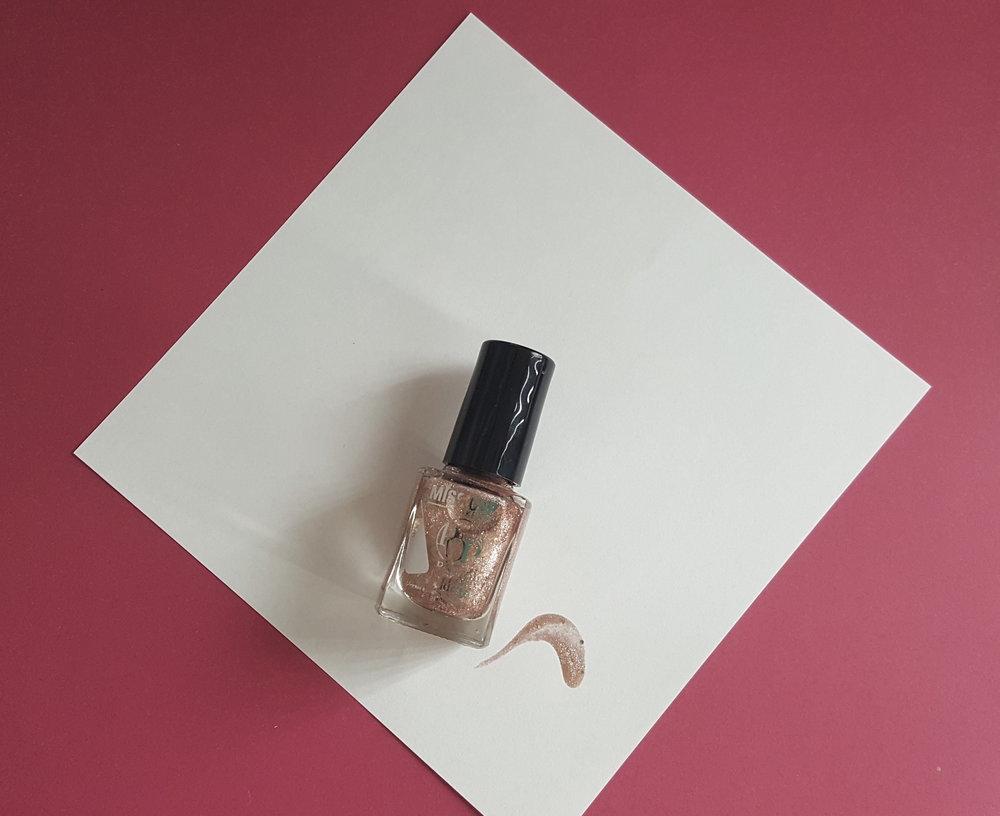 Nail polish from Miss Cop make up