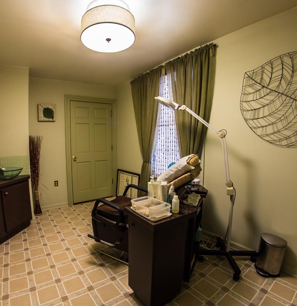 Waxing Room 1.jpg