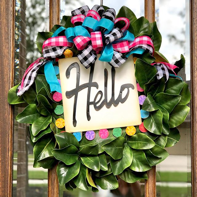 I'm completely obsessed with our new wreath from @theroundtopcollection! I haven't updated our door front in YEARS and I had a ton of fun working with these ladies to create this one! 💙💗💙 {PS - swipe right to see my littlest Insta helper! 😉}