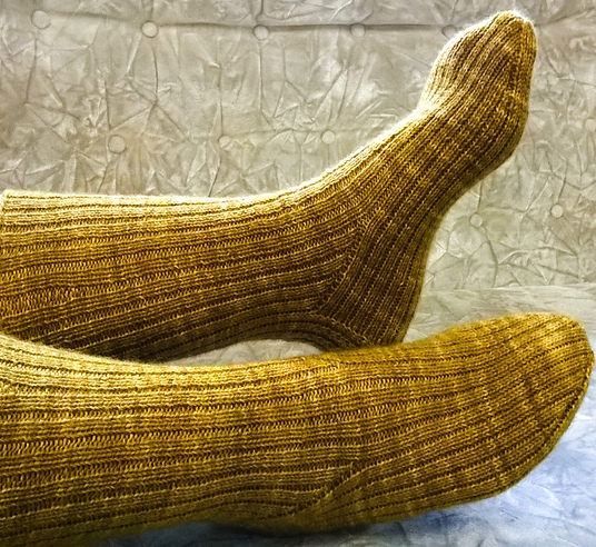 harvest_2_socks_medium2.jpg