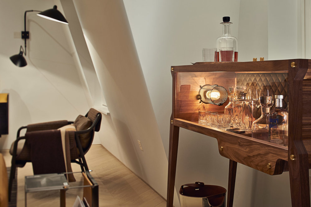 ▲ Whisky decanter and glasses (on top of cabinet) for a residency in Mayfair