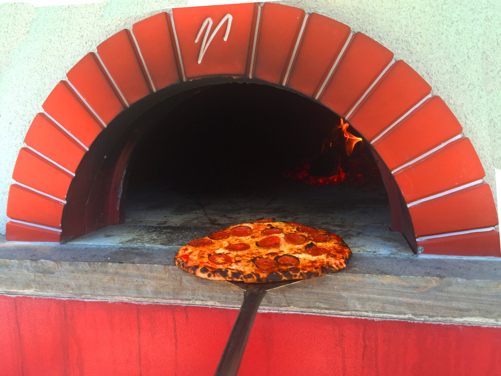 oven with pizza2.jpg