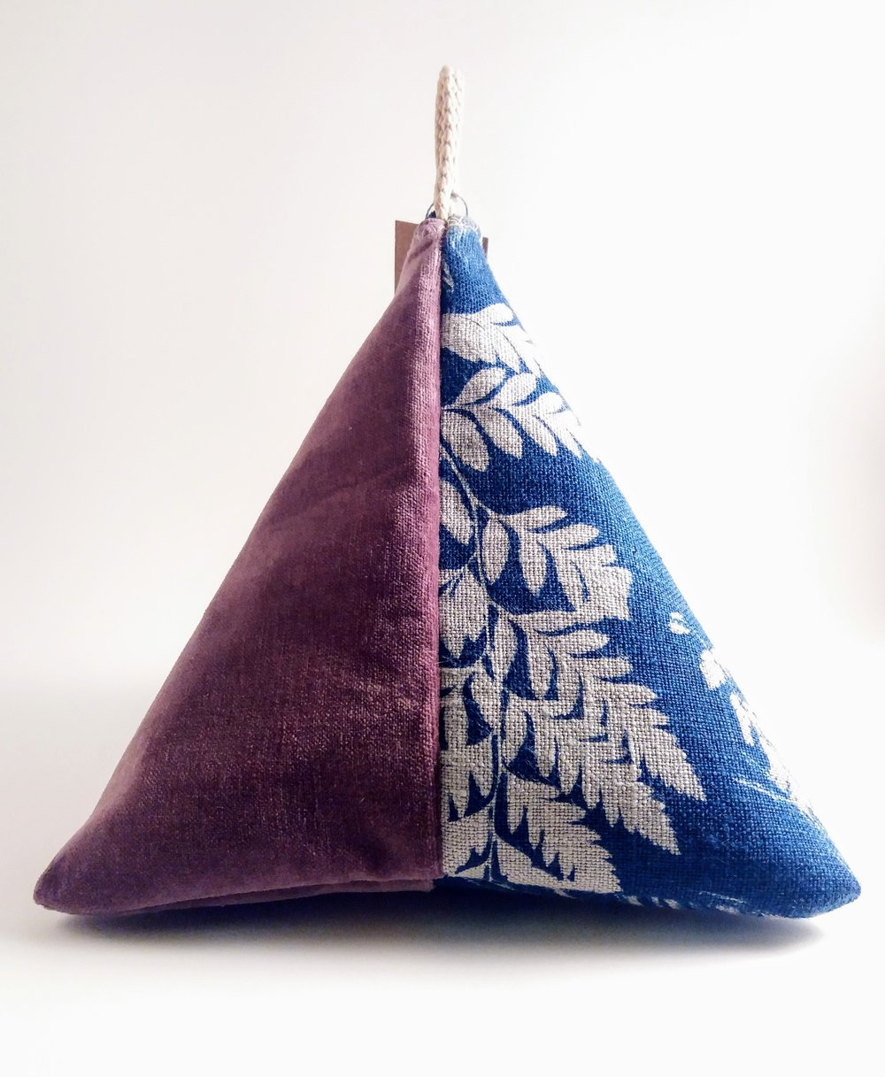 Pyramid Pouch