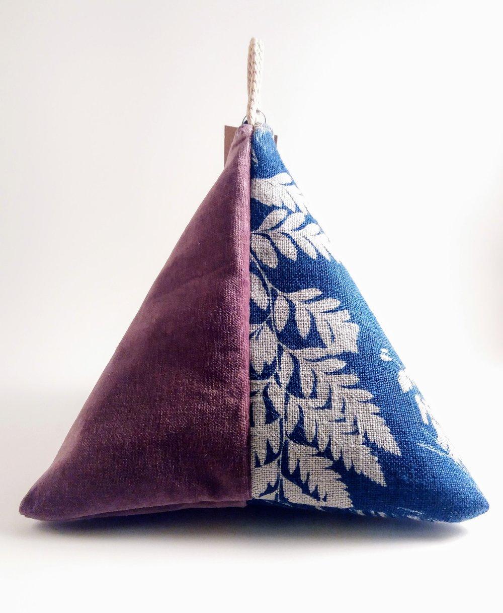 Pyramid Pouch