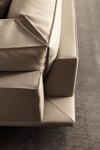 SCT 23 Modern Sectional Sofa - detail