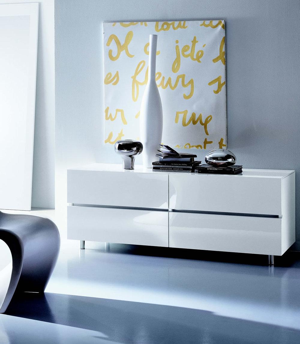 bedroomcomplements_italianfurniture_3g.jpg