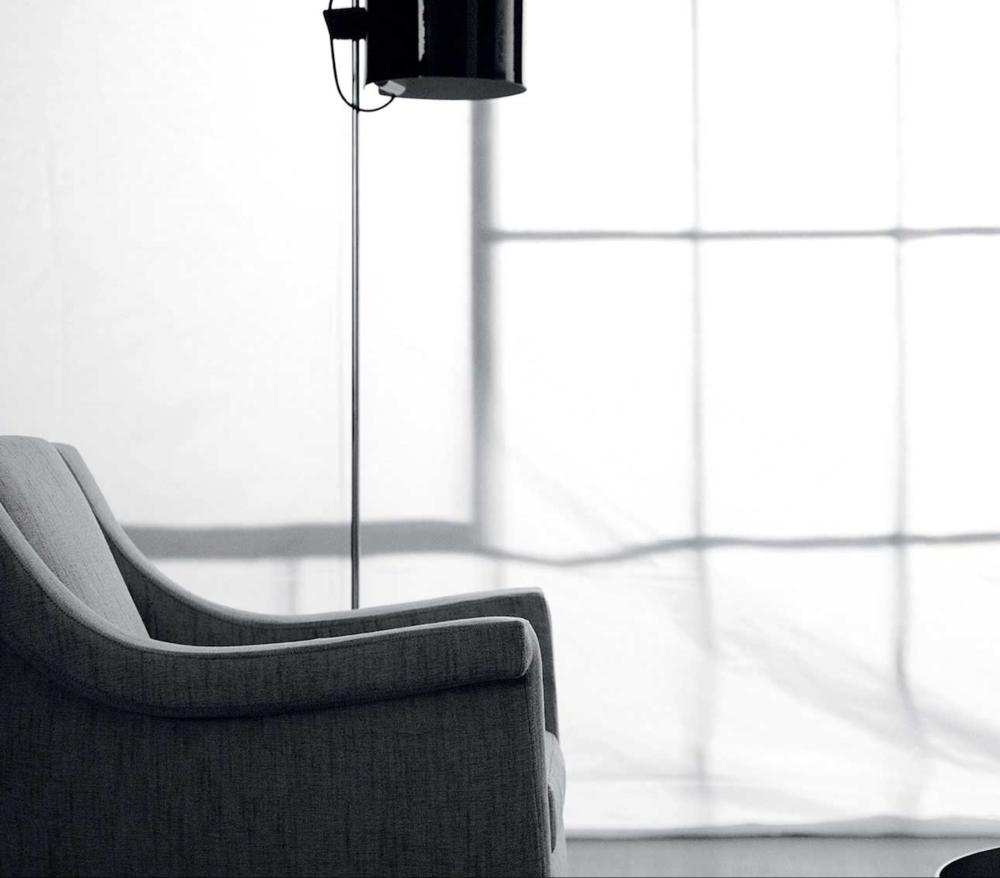 AC 25 Italian Designer Lounge Chair - detail