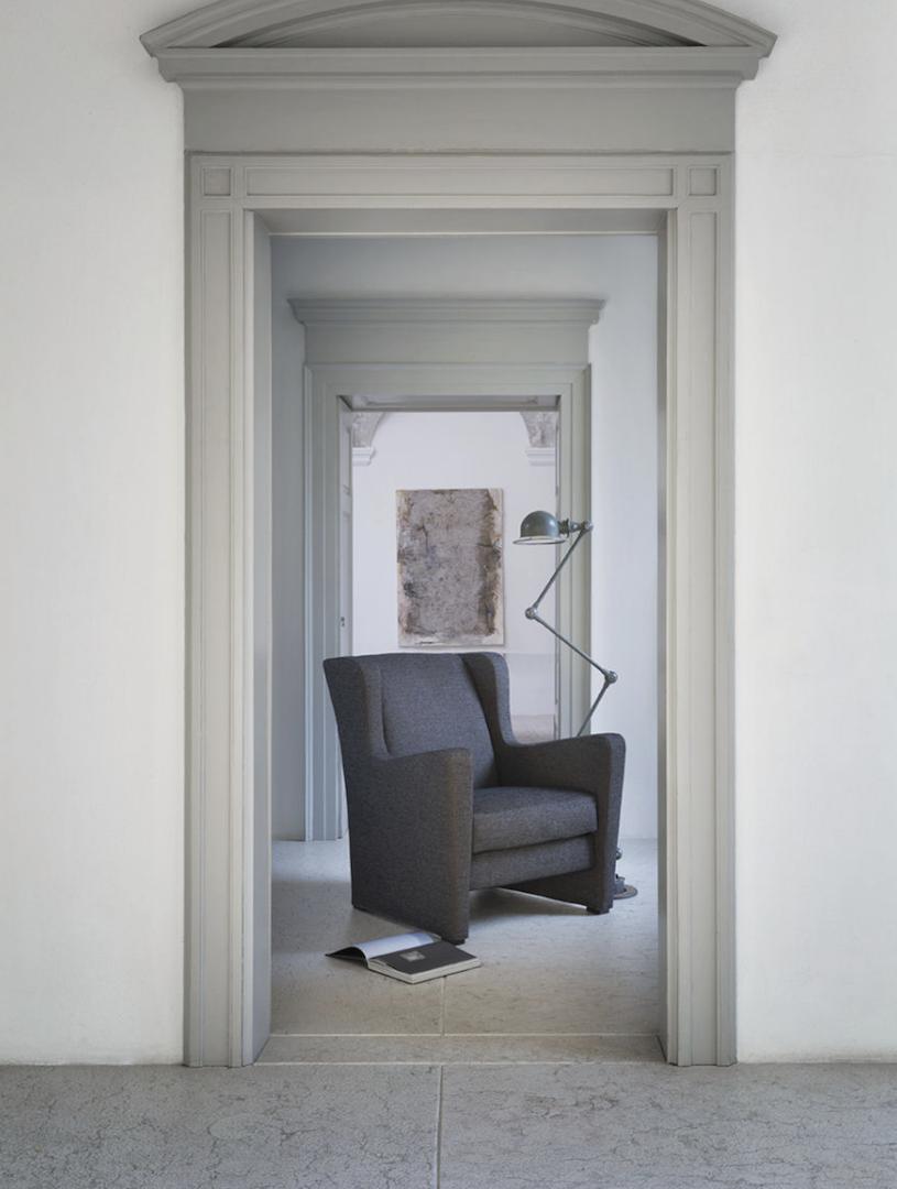 AC 18 Italian Designer Lounge Chair