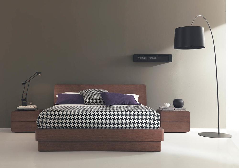 modern-italian-beds-bedroom-furniture-designer-F00003.jpg