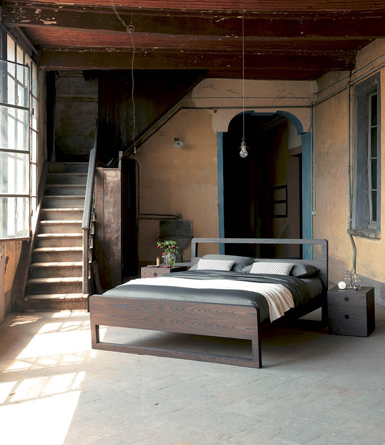 modern-italian-beds-bedroom-furniture-designer-F00005.jpg