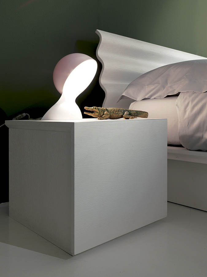 modern-italian-beds-bedroom-furniture-designer-F00009.jpg