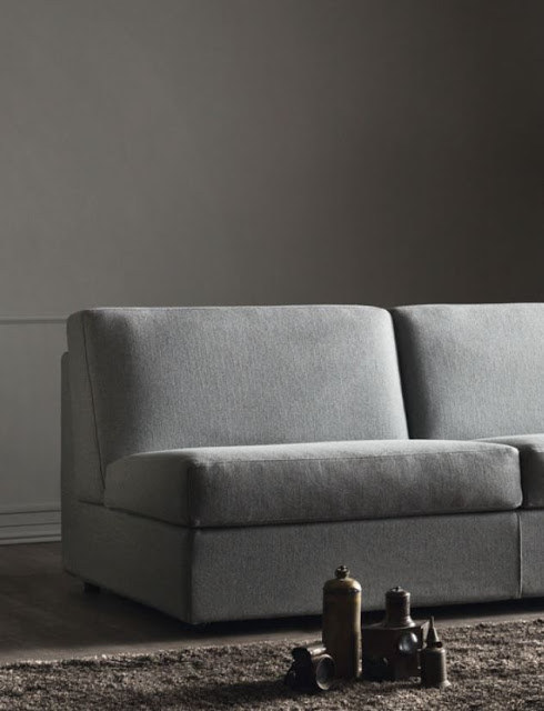 Armless sofa bed, save space without compromising the sleeping space.