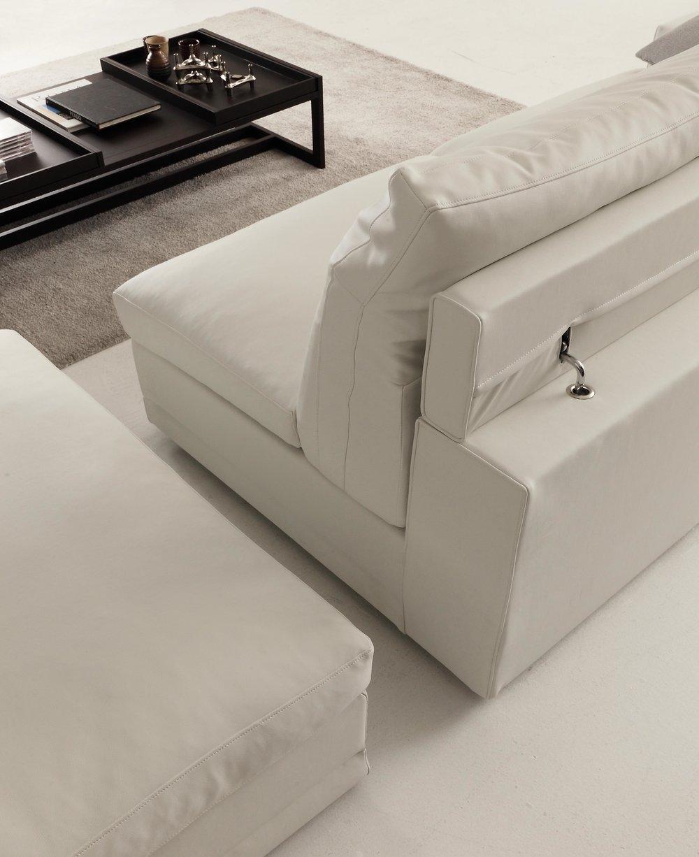 Italian-Sectional-Sofas-Sofabeds-modern-designer00004.JPG
