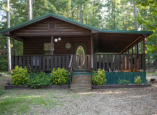 Briar Creek Cabin: 1 Bath – Sleeps 4