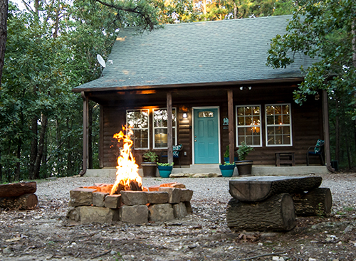 Boots Up:   1.5 Baths – Sleeps 6