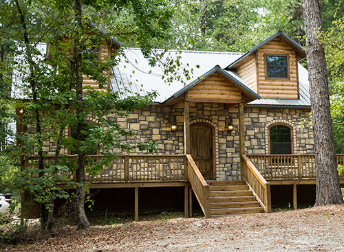 Hearthstone Lodge:   2 Baths – Sleeps 8