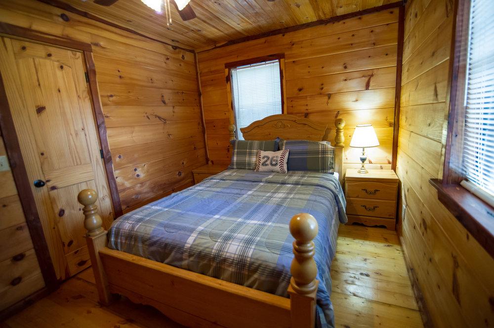 Guest Bedroom 1.jpg.jpg