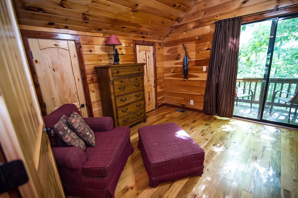 FPL upstairs master - sitting area.jpg